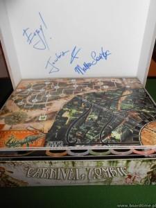 Carnival Zombie z autografem
