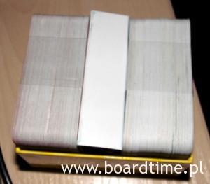 Sporo kart w poręcznym pudełku