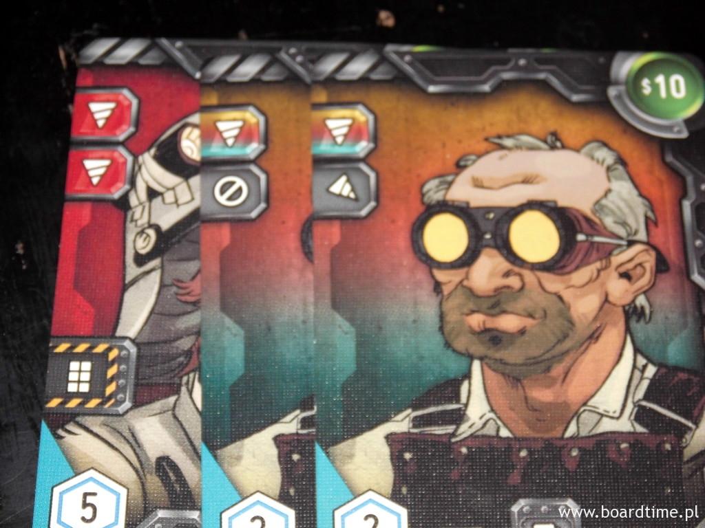 Dzięki zagraniu tych kart możemy wykopać tunel długi na 4 (karta z prawej pozwala nam zacząć kopanie na ukos)