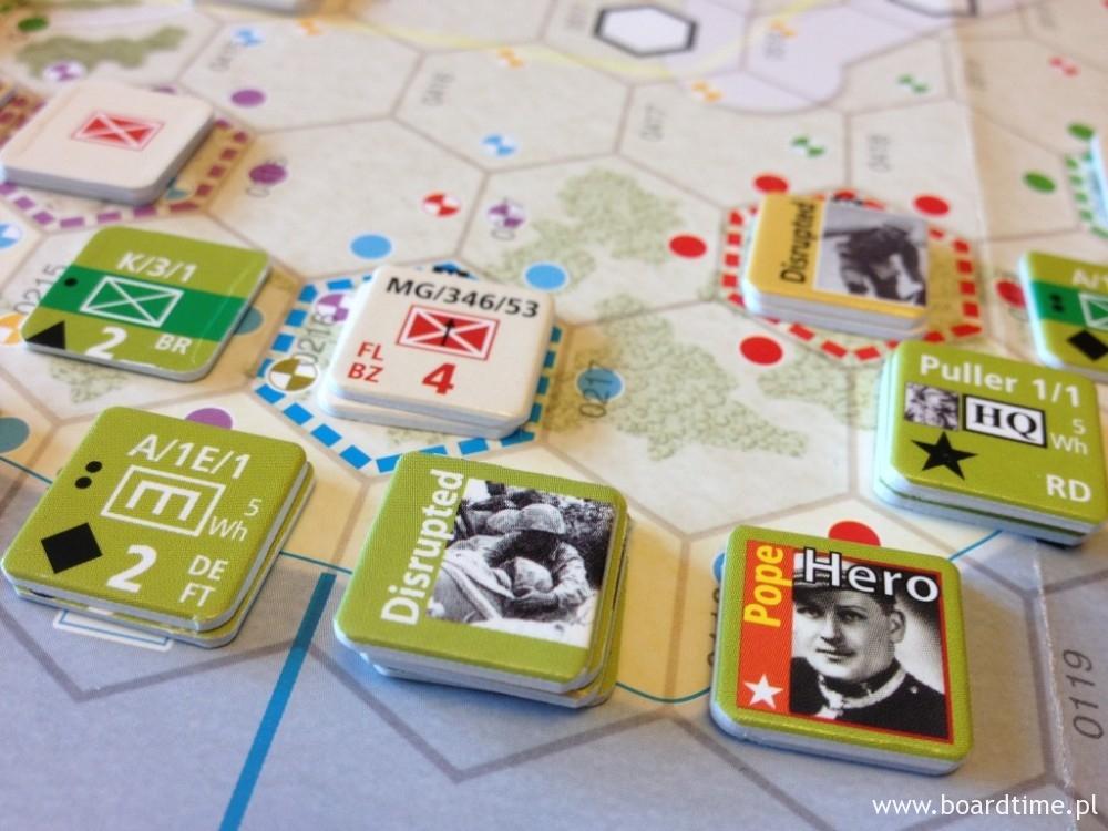 Japońskiej pozycji broni jeden z elitarnych japońskich oddziałów
