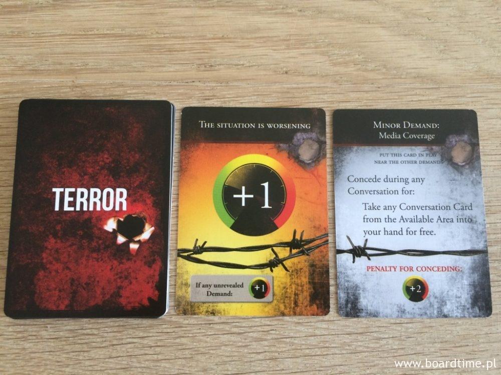 Karty terroru - aż strach zaglądać