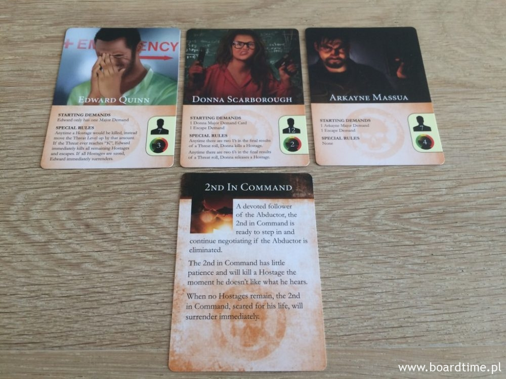 Karty porywaczy. W podstawowej wersji gry mamy ich 3