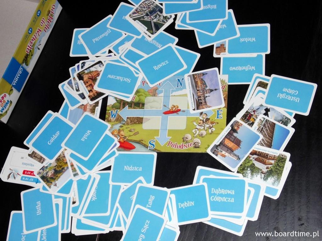 Karty z planszą w tle
